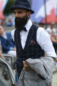 pitti-uomo-mens-street-style-checkered-waist-coat-white-oxford-shirt-mens-street-style-pitti-uomo-768x1152