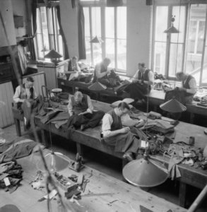 Savile_Row-_Tailoring_at_Henry_Poole_and_Co.,_London,_England,_UK,_1944_D21864